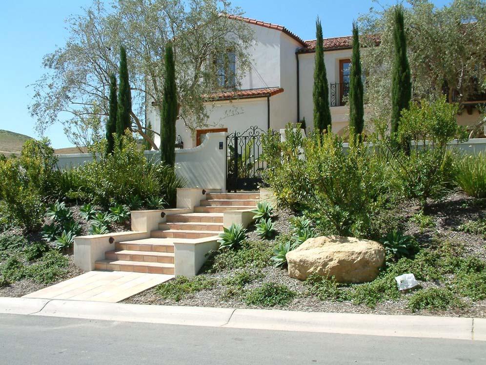 Spanish Villa Front Yard